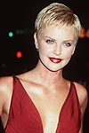 BabeStop - World's Largest Babe Site - charlize2_theron064.jpg