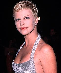 BabeStop - World's Largest Babe Site - charlize2_theron077.jpg