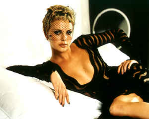 BabeStop - World's Largest Babe Site - charlize2_theron103.jpg